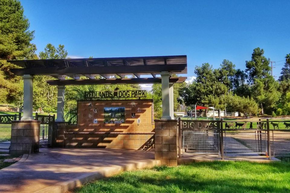 Dog Park Entrance sign